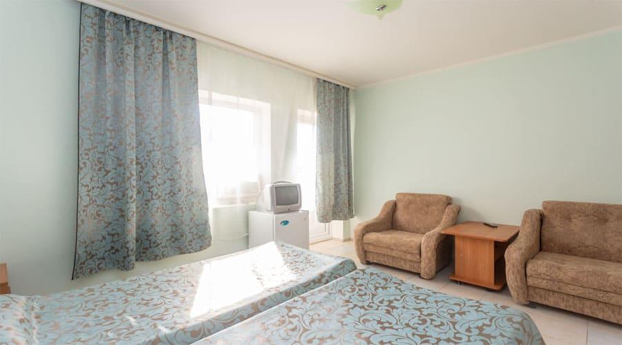 2-местный полулюкс, отель Лелюкс, Ольгинка, Туапсе, семейный отдых с детьми на Черном море, танцевальные каникулы;