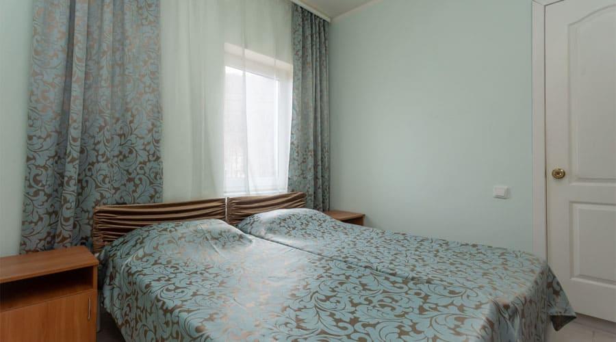 малый люкс, отель Лелюкс, Ольгинка, Туапсе, семейный отдых с детьми на Черном море, танцевальные каникулы;