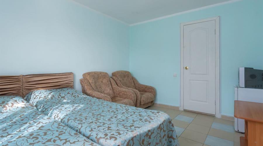 средний люкс, отель Лелюкс, Ольгинка, Туапсе, семейный отдых с детьми на Черном море, танцевальные каникулы;